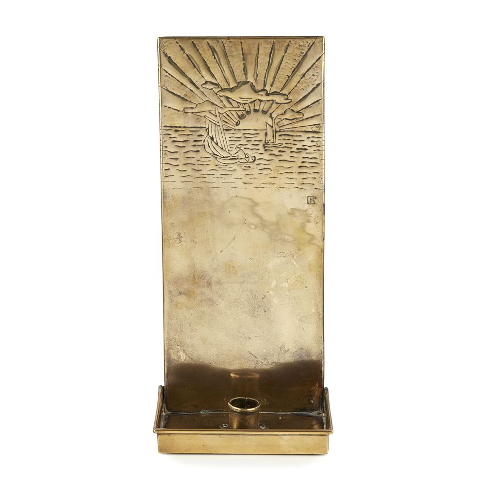 A SCOTTISH ARTS & CRAFTS BRASS WALL SCONCE MARGARET GILMOUR, CIRCA ...