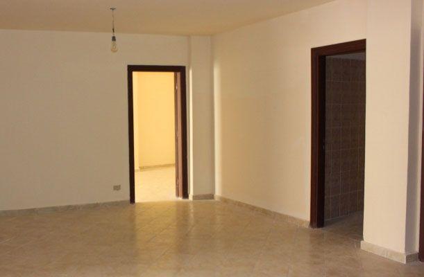 شقة مساحة 142متر للبيع فى سموحة 3 غرف منهم غرفة ماستر ريسيبشن 2 قطعة 2 حمام مطبخ ارضيات سيراميك تشطيب رائع Home Decor Room Divider Decor