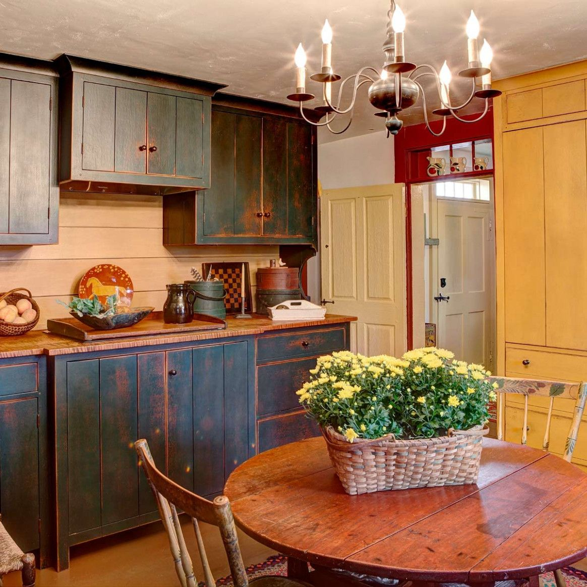 8 How To Make Your Kitchen Cabinets Look Distressed Di 2020