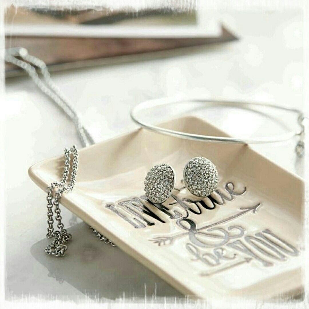 Live True and Be You! Jewelry holder!