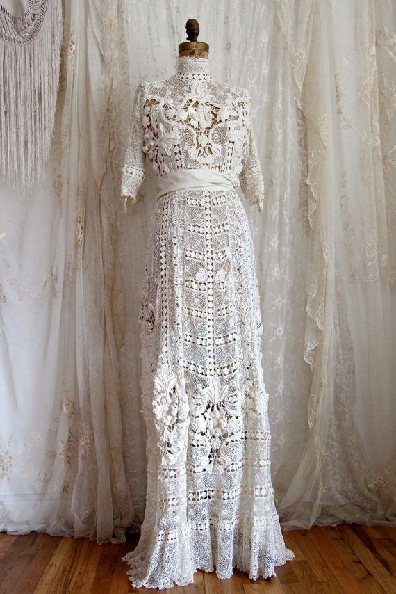 Ähnliche Artikel wie Kleid von der Titanic / authentische antike Hochzeitskleid / irische Spitze / Elfenbein / Hand Made / Braut Kleider und trennt / Größe S auf Etsy
