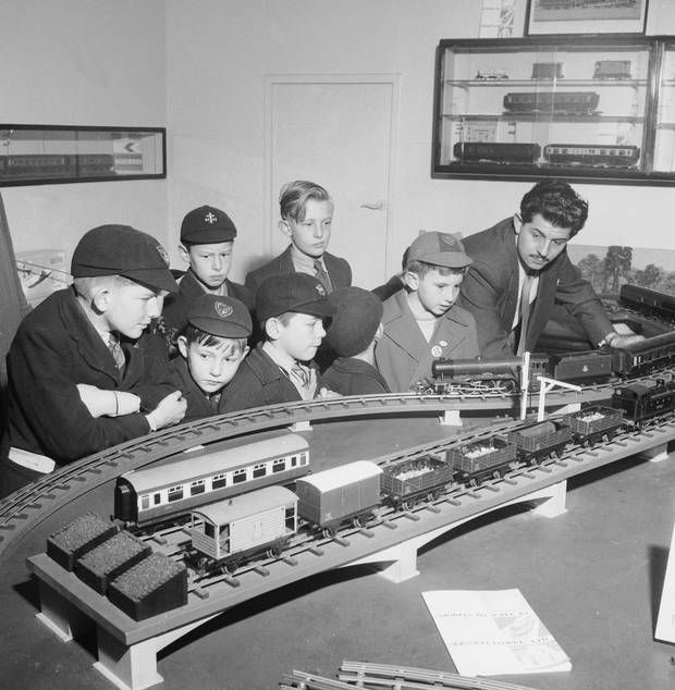 426418645cb4 Some things never change  boys admiring a train set in Selfridges in 1953 - London  Evening Standard