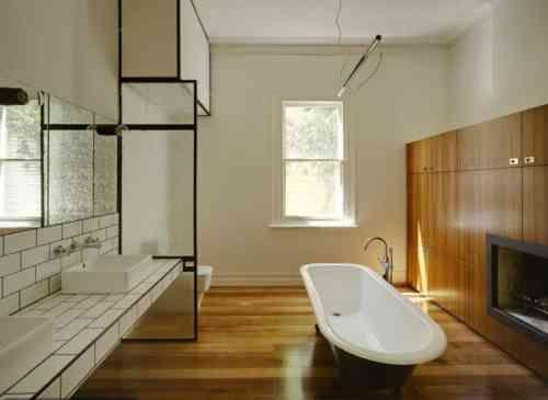 Parquet salle de bain  comment faire le bon choix? bois brûlé