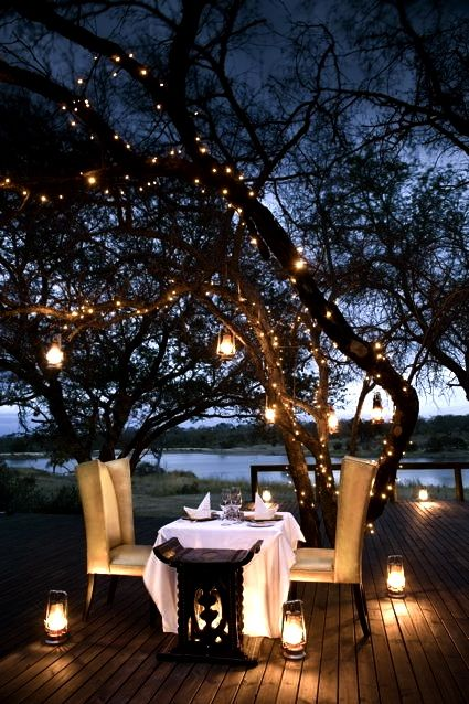 Perfect Dinner Date Outside Under The Stars Pools