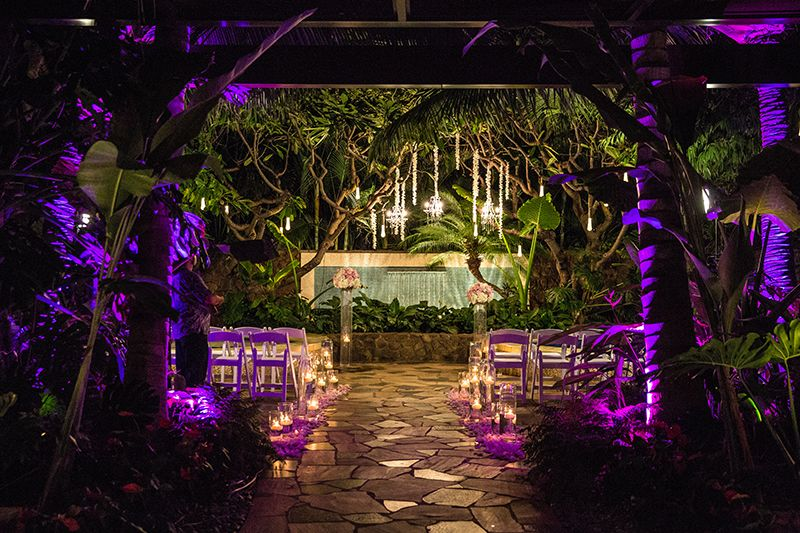 Disney S Aulani Resort And Spa Offers The Mesmerizing Wedding Venue Kula Wai To Make Your Wedding Celebratio Aulani Wedding Disney Wedding Venue Disney Wedding