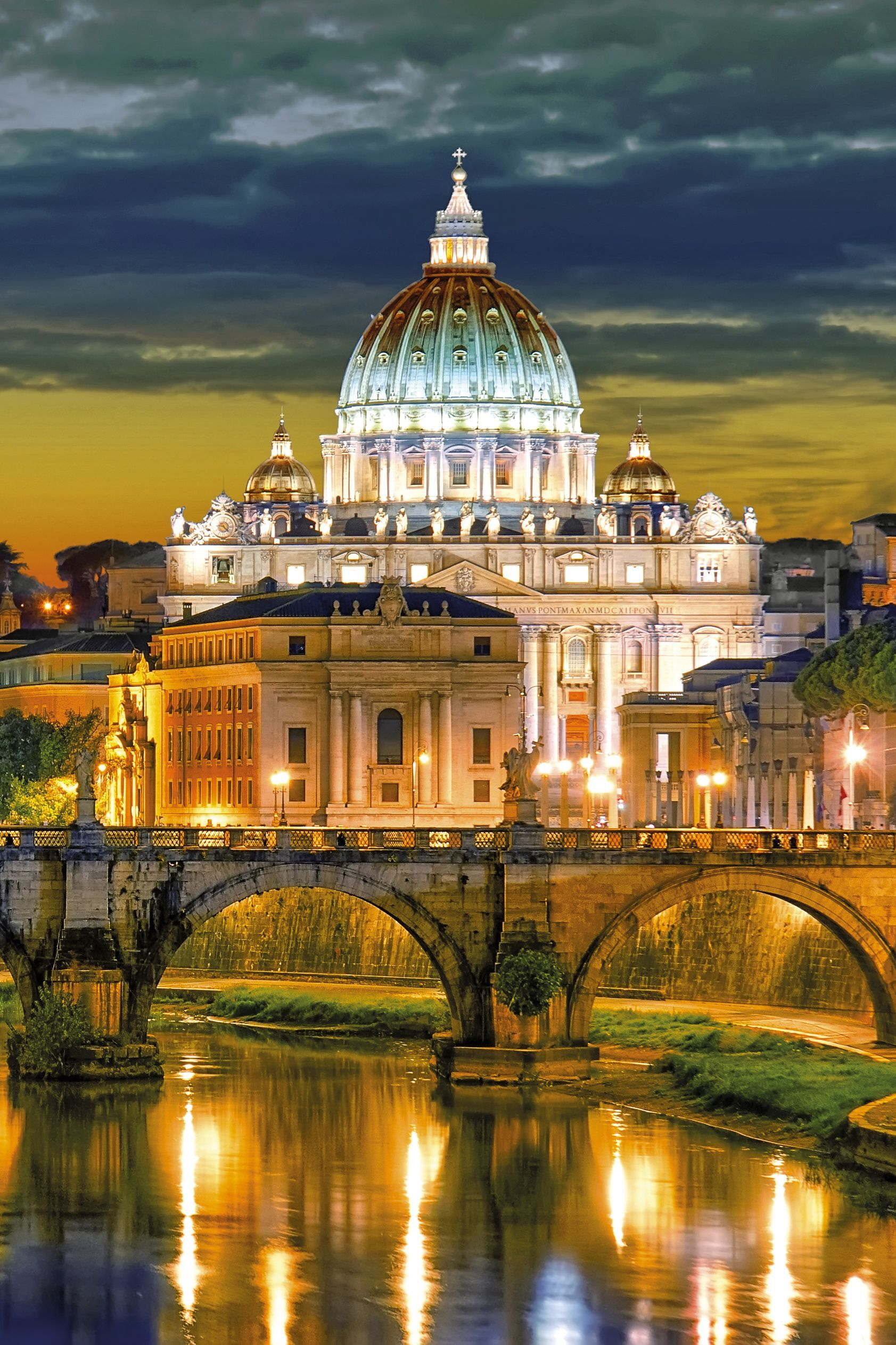 St. Peter's Cathedral. Highlights Of Italy With Jules