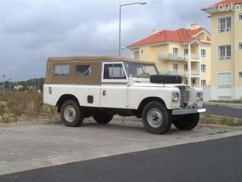 Land Rover 109 Serie III soft top canvas. So nice.