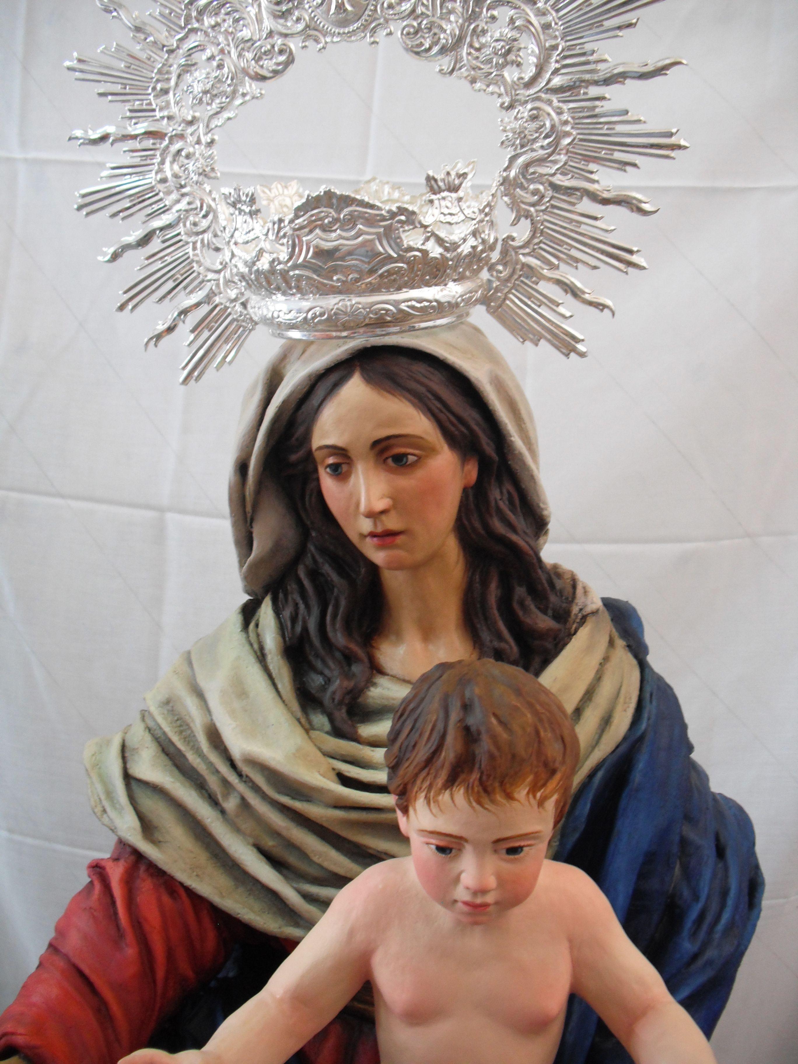detalle de la imagen de santa maria madre de dios