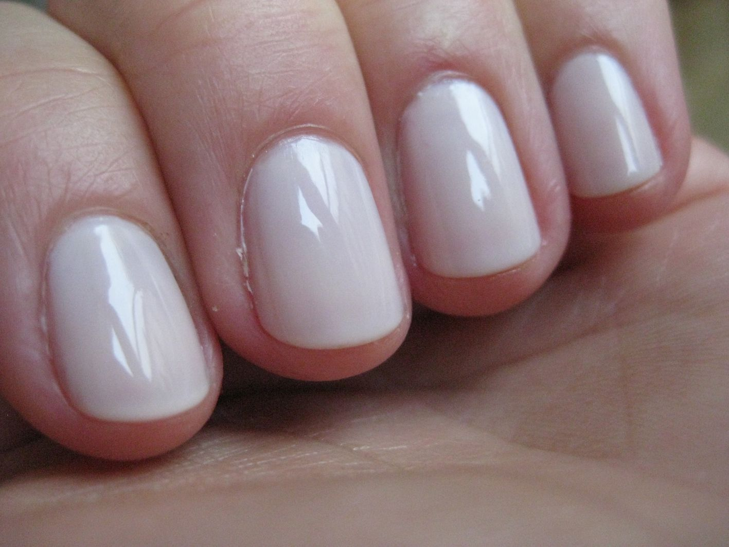 essie limo scene - just had my nails painted with this yesterday ...