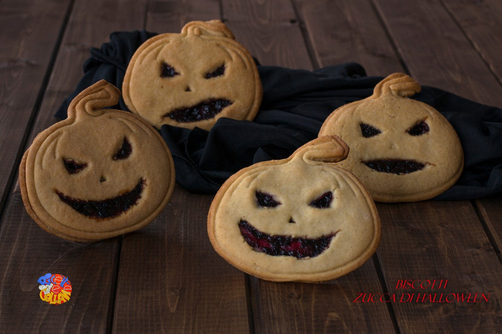 I biscotti zucca di Halloween sono perfetti per la
