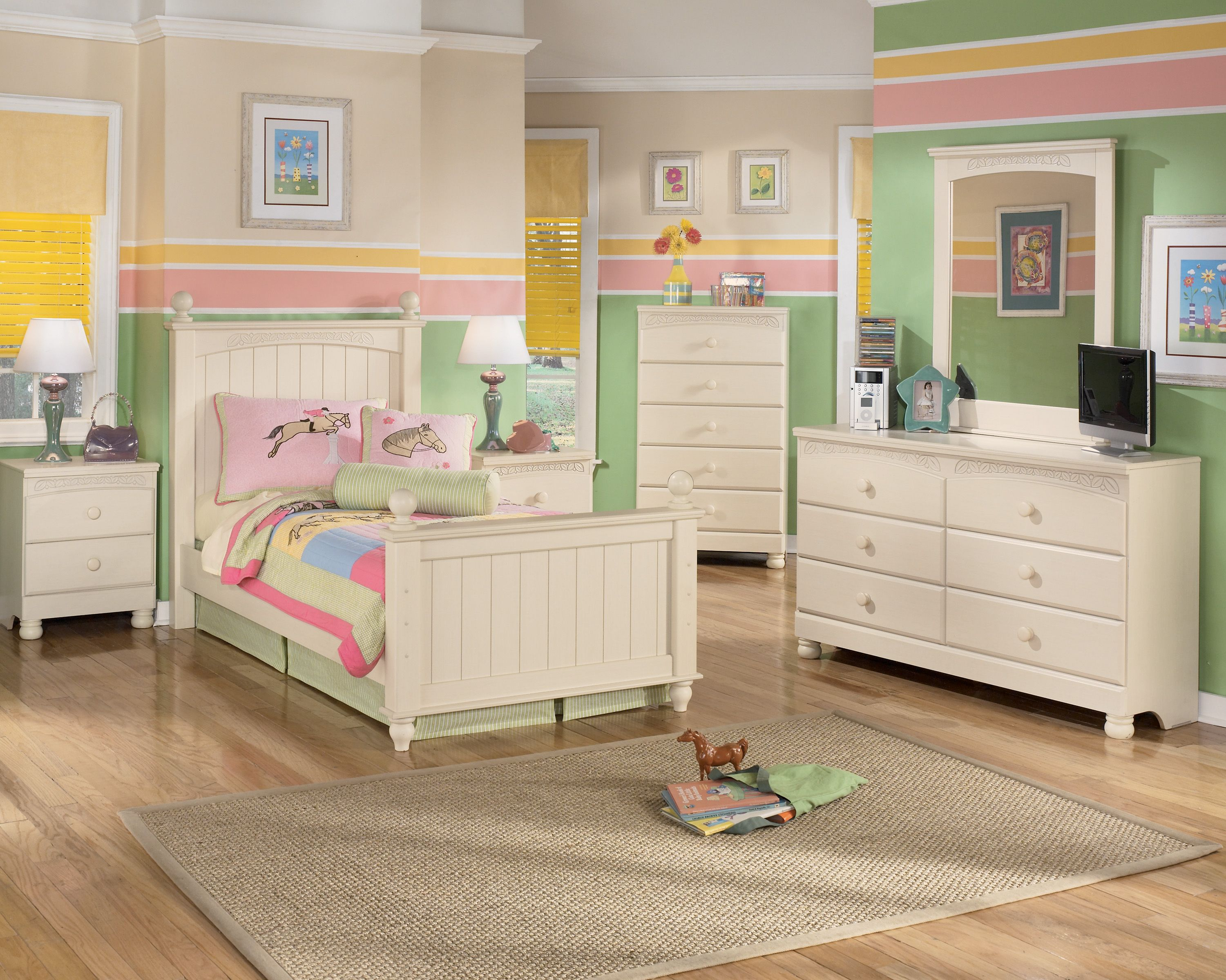 Consideration While Purchasing Kids Bedroom Furniture Set Girls