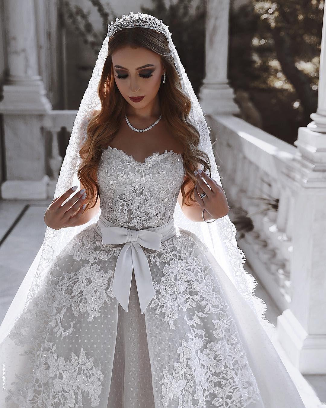 Vestidos de novia elegantes Vestido de novia de encaje blanco Una línea en línea Número de modelo: XY268