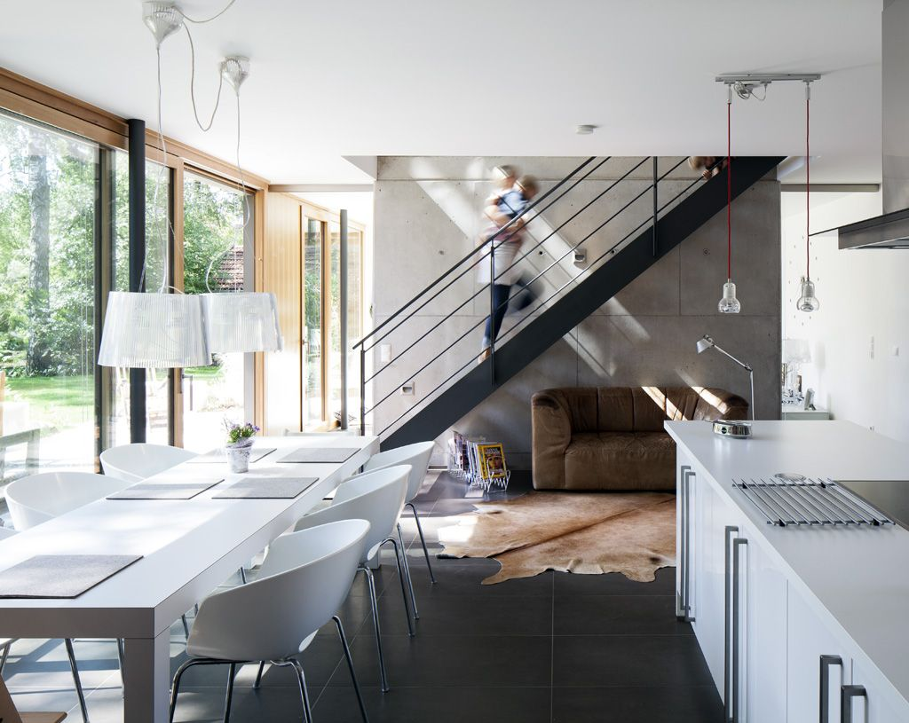 hinter treppe und wand liegt der wohnbereich verborgen. die ... - Offene Treppe Im Wohnzimmer