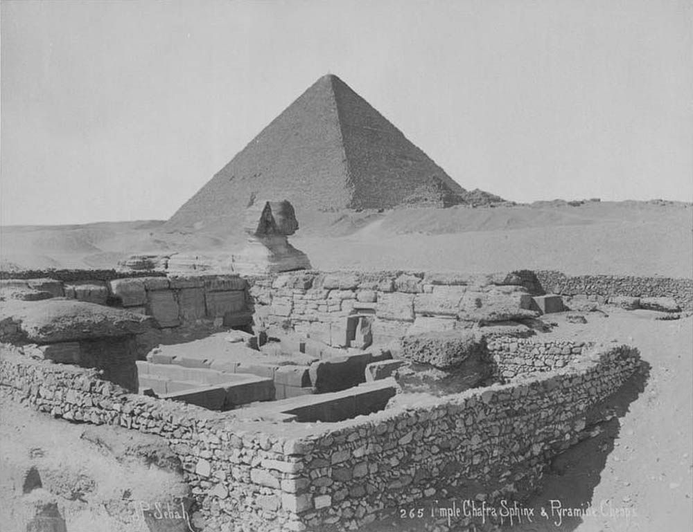02_Giza Necropolis - Sphinx and the Pyramid of Cheops | by usbpanasonic