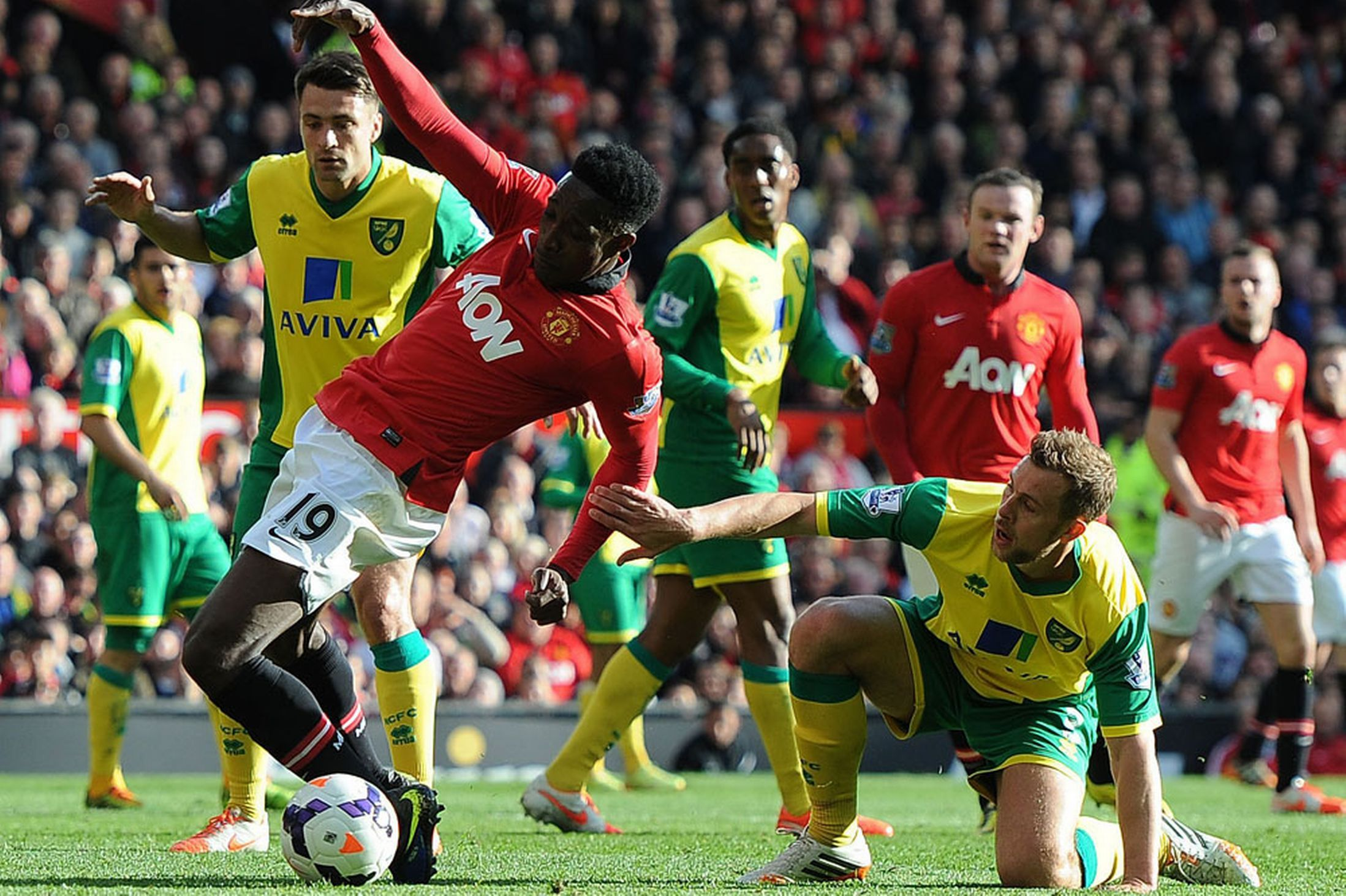 Man United 4 0 Norwich Red Devils Record Easy Win As Ryan Giggs Makes Managerial Bow Manchester United The Unit Ryan Giggs