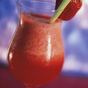 How to Make a Frozen Strawberry Daiquiri | eHow