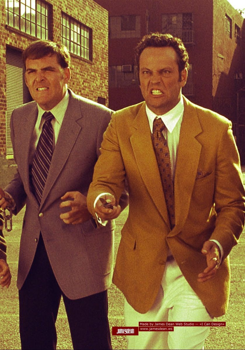 Vince Vaughn In Anchorman The Legend Of Ron Burgundy Lol Ron Burgundy Vince Vaughn Anchorman