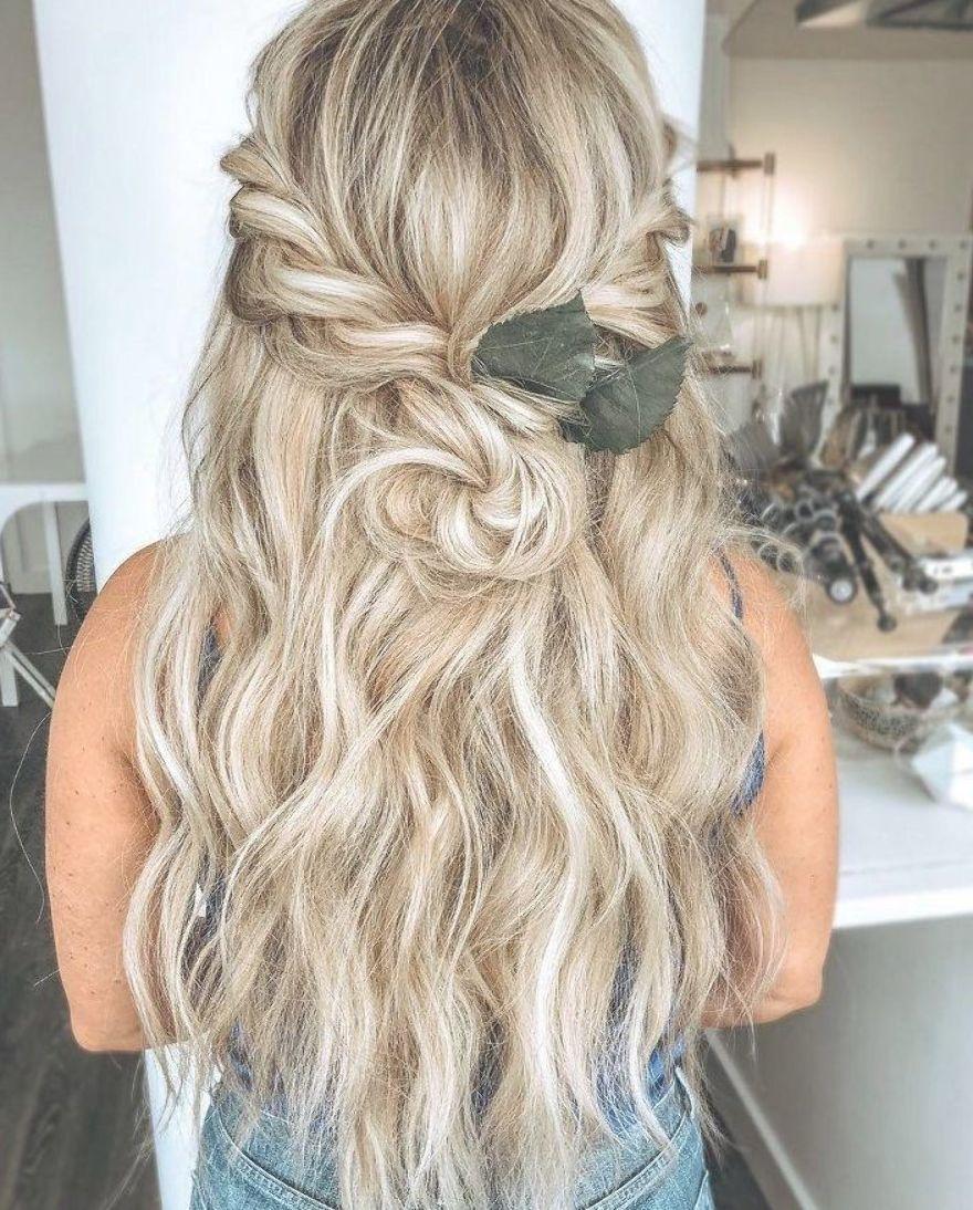 Beautiful Half Up Half Down Wedding Hairstyle Ideas Braided Half Up Half Down Hairstyles Boho Wedding Hairstyle Hair Styles Wedding Hair Down Curly Hair Styles