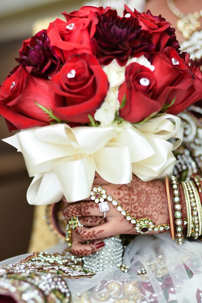Wedding Of Pinky Bhavin By Harvard Photography Part 1 Table Arrangements Wedding Wedding Flower Arrangements Silk Flowers Wedding