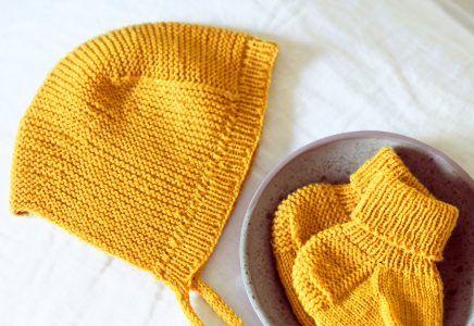 Photo of Set mit Babymütze und Socken – kostenlose Strickanleitung
