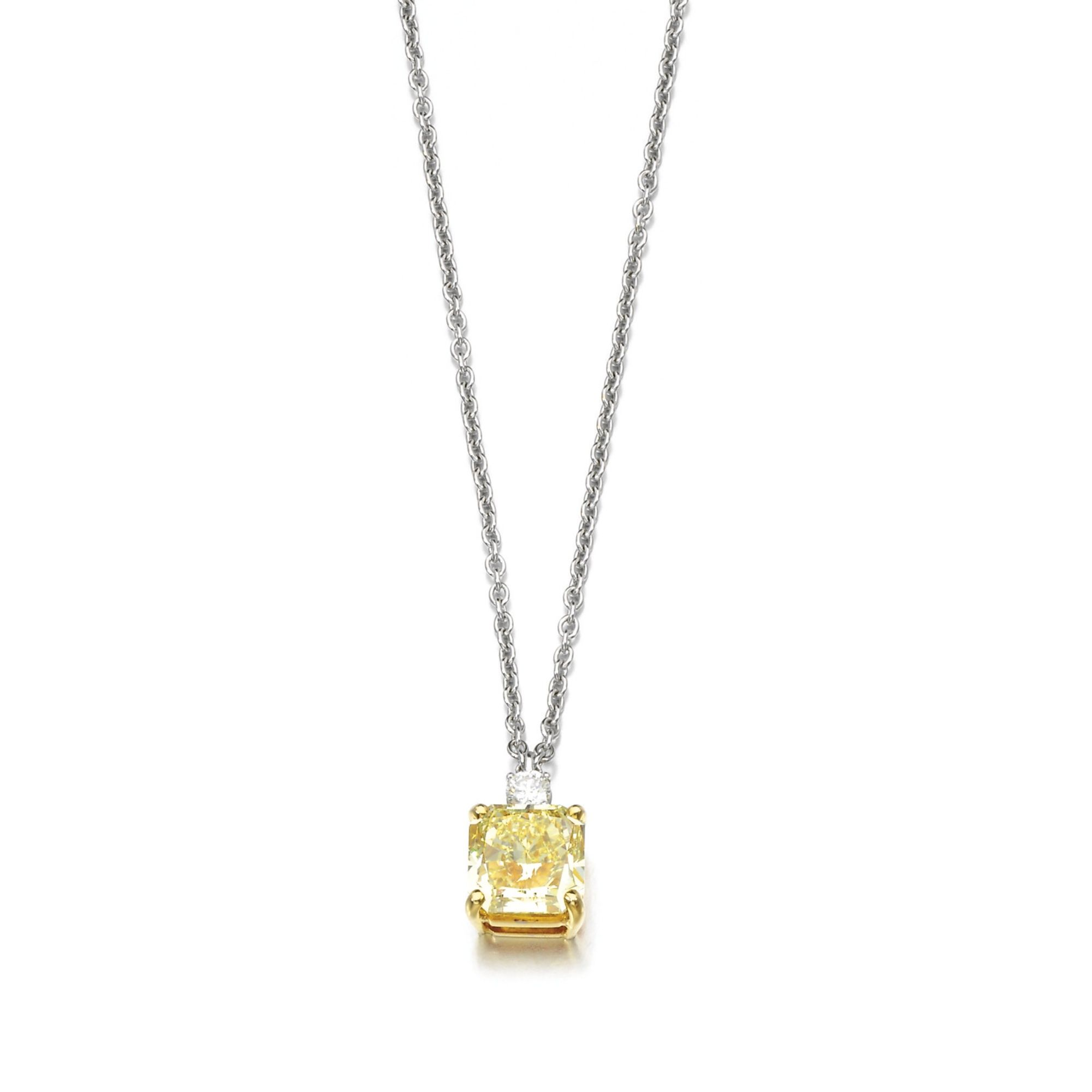 white pendant diamond square gold