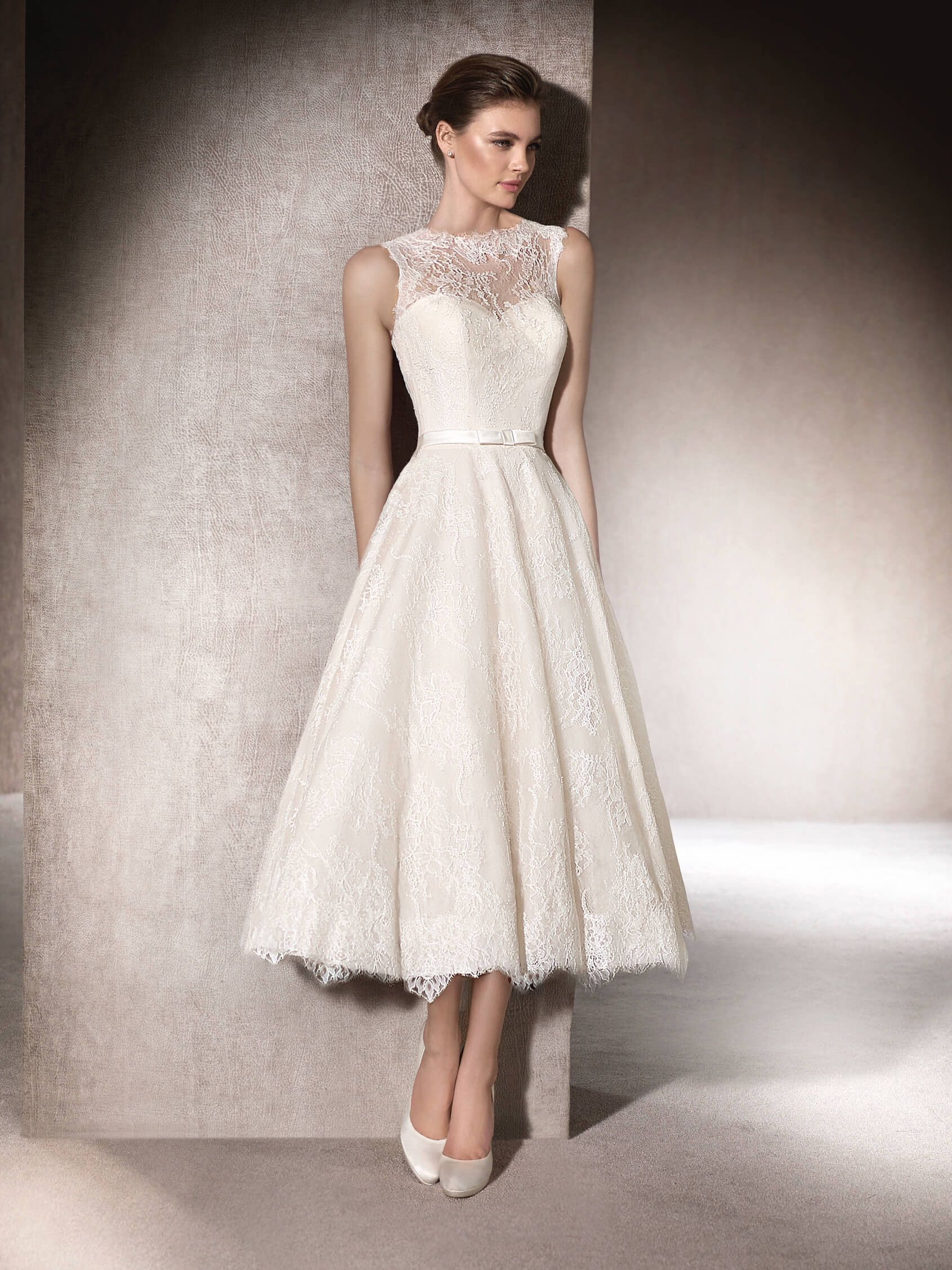 MICOL ist ein bezauberndes Brautkleid mit ausgestelltem Rock aus ...
