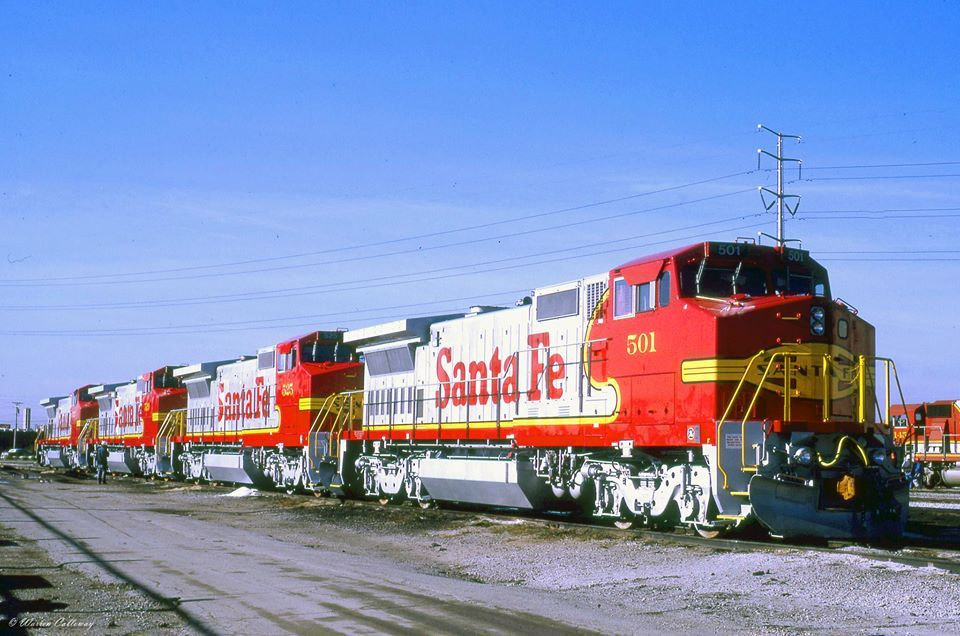ATSF #501, and sisters, (all are GE Dash 8-40BW models), are being delivered new to the Santa Fe @ Corwith Yard in Chicago, IL on 23 October 1990.  Photo by Warren Calloway.