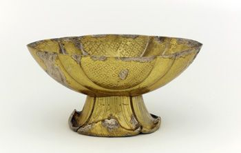 Cup 9th century Tang dynasty Gilt silver H: 5.6 W: 11.9 cm China