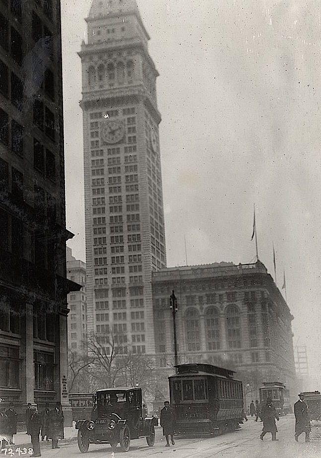Skyscraper Clock Tower Of Metropolitan Life Insurance Company