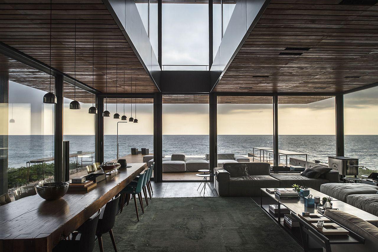 Home Interior Design Glass Enclosed Dining And Sitting Area Has A Modern Mimari Mimari Tasarim Modern Ic Mekanlar