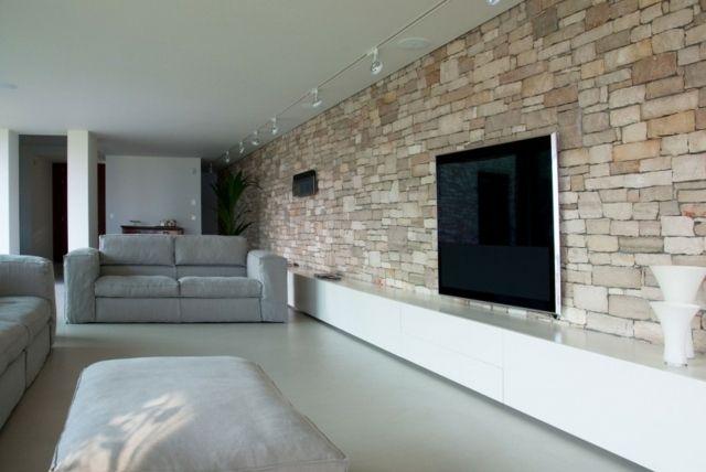 natursteinwand minimalistische weiße möbel graues sofa ... - Natursteinwand