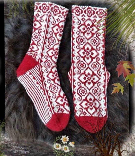 Elly Socks pattern by JennyPenny | Strümpfe/Socken, Strümpfe und ...