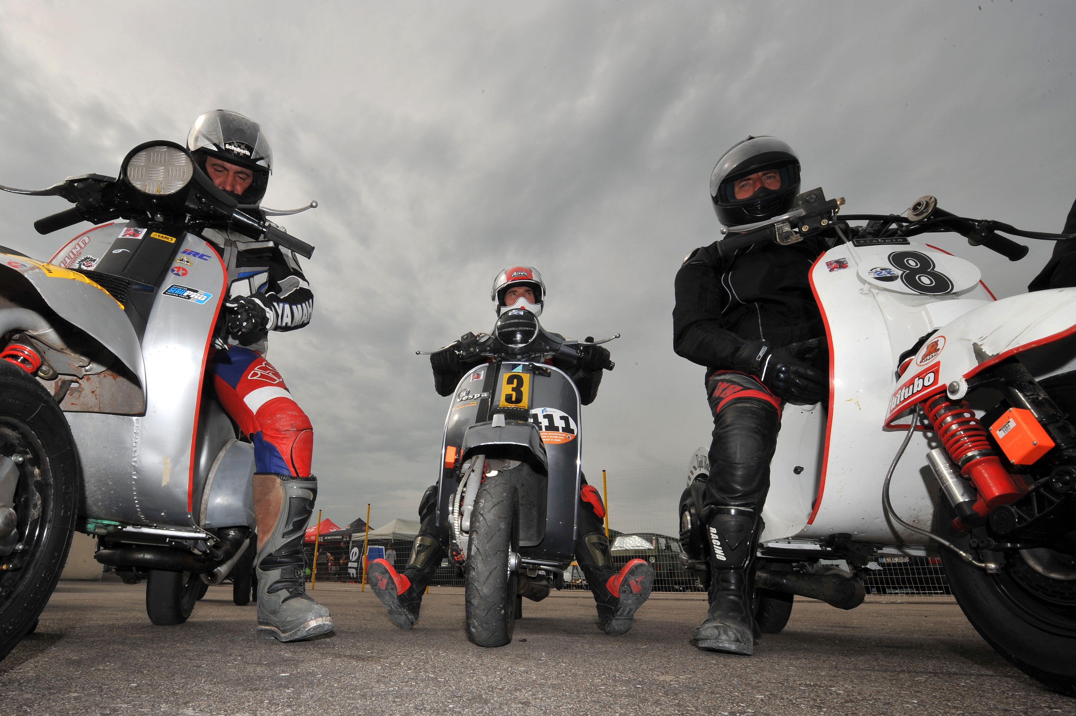 On the startin grid ! Sprint Mirecourt 2009, France, photo Michel Lemarié DR