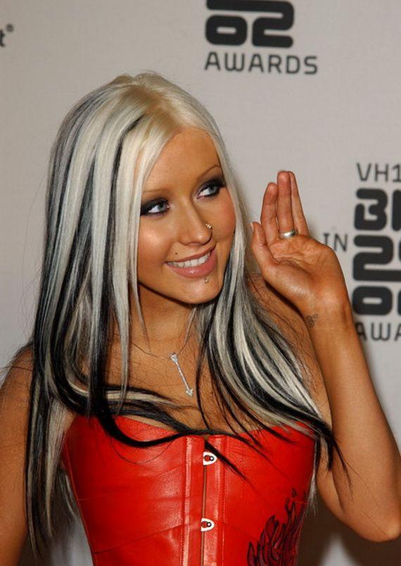 Christina Aguilera Hairstyles 23
