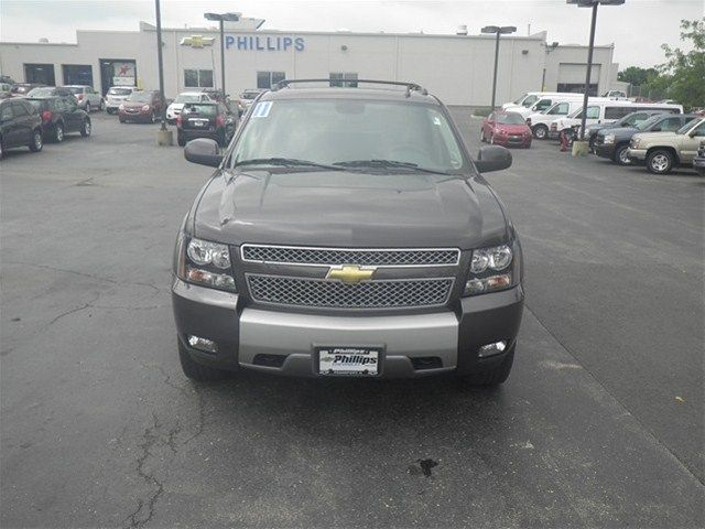 2011 Chevrolet Avalanche 1500 Taupe Gray Metallic 10998418