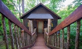 View Eureka Springs Cabins Cottages Treehouses At Oak Crest Eureka Springs Cabins Eureka Springs Lodging Eureka Springs