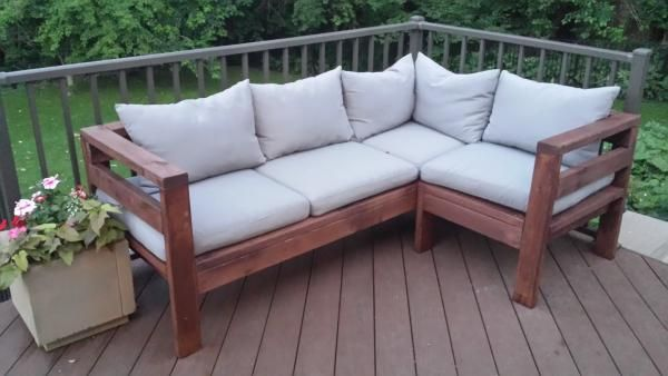 Amazing Outdoor Sectional Diy 2x4 Stained Wood Simple Nice Cushions White Farmhouse Style Fr Pallet Furniture Outdoor Diy Outdoor Furniture Diy Patio Furniture