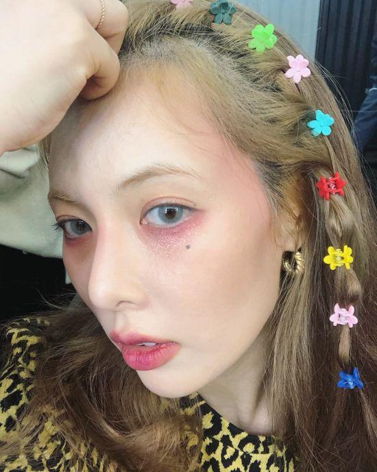 Hyuna Colored Hair Clips 1 Hyuna Hair Clip Hairstyles Hair Jewelry