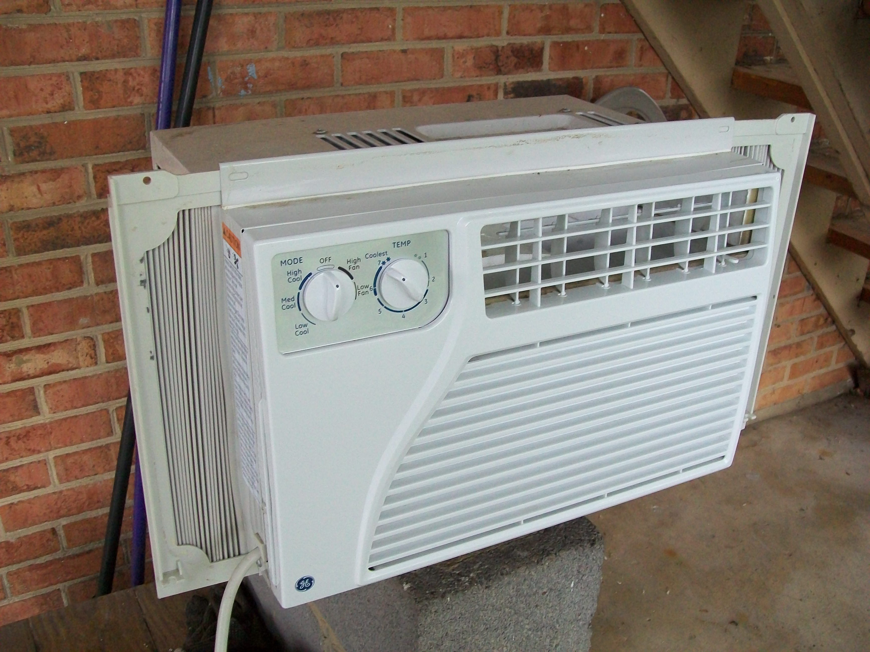 How to Clean a Window Air Conditioning Unit Clean air