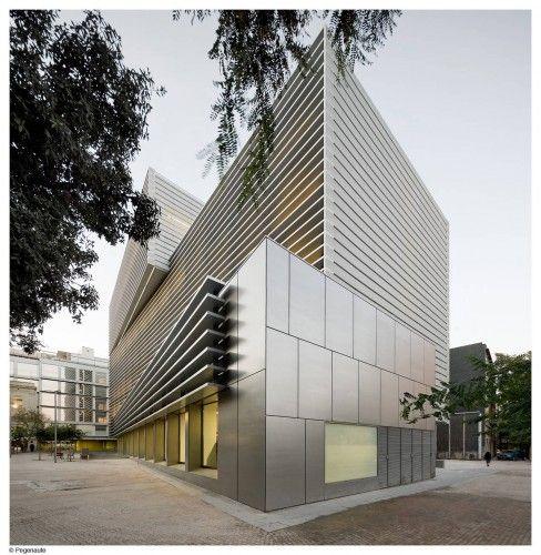 Social security administration building in barcelona bcq for Oficines seguretat social barcelona