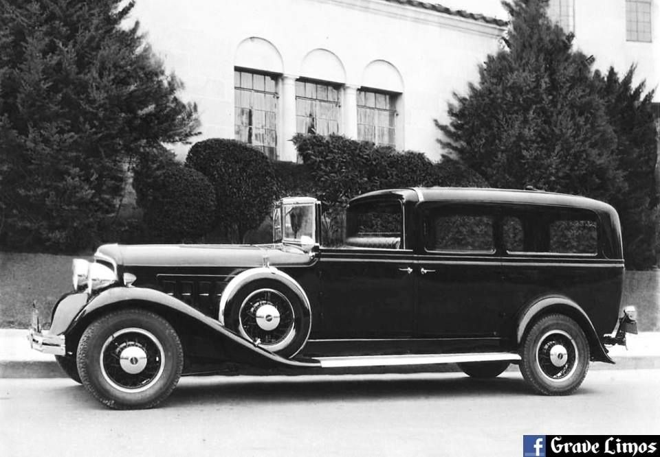 1932 Reo National Henney town car hearse. #Reo #National #Henney ...