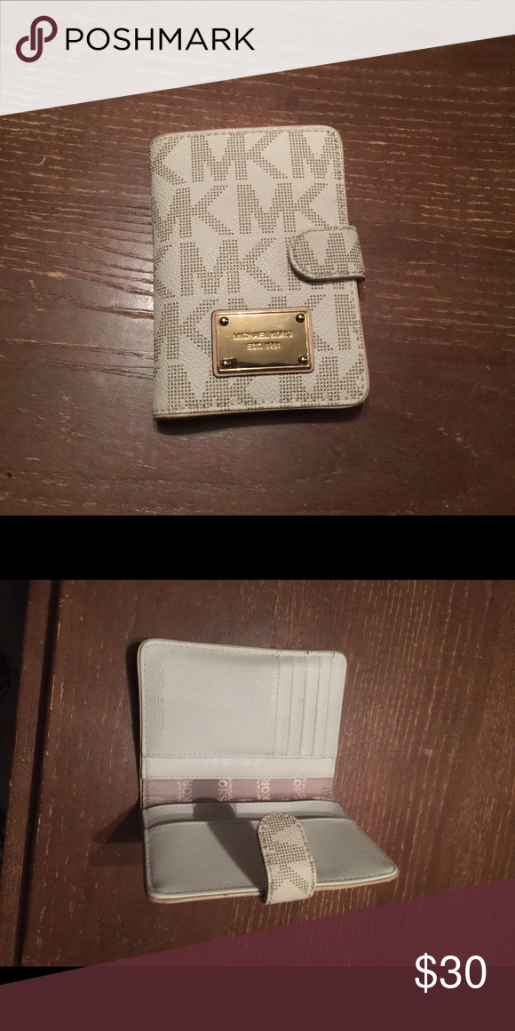 f503819ae943 MK card holder wallet In great condition holds plenty of cards and couple  more slots MICHAEL Michael Kors Bags Wallets