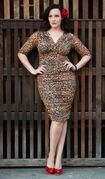 Curve appeal: Frockage for curvy girls - plus size fashion shopping ...