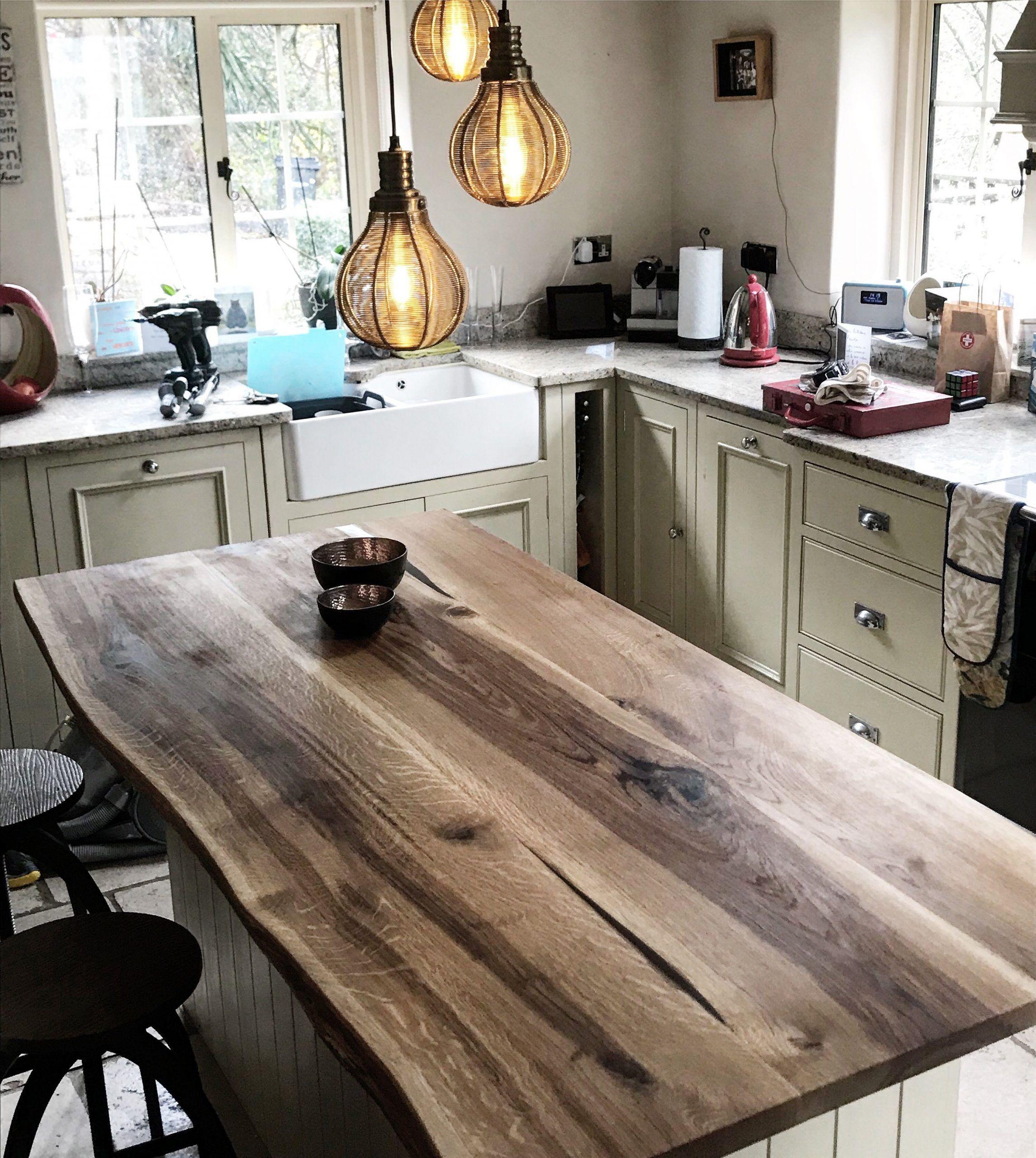 Live Edge Kitchen Island Von Earthy Timber England Unsere Live Edge Kuche In 2020 Wood Countertops Kitchen Wood Countertops Kitchen Island Kitchen Island Decor