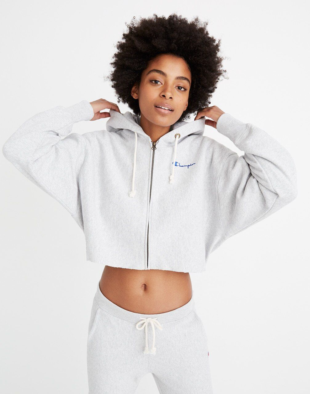 Pin By Lauren Mcdougal On Style Inspo Champion Clothing Cropped Hoodie Outfit Sporty Outfits [ 1286 x 1000 Pixel ]