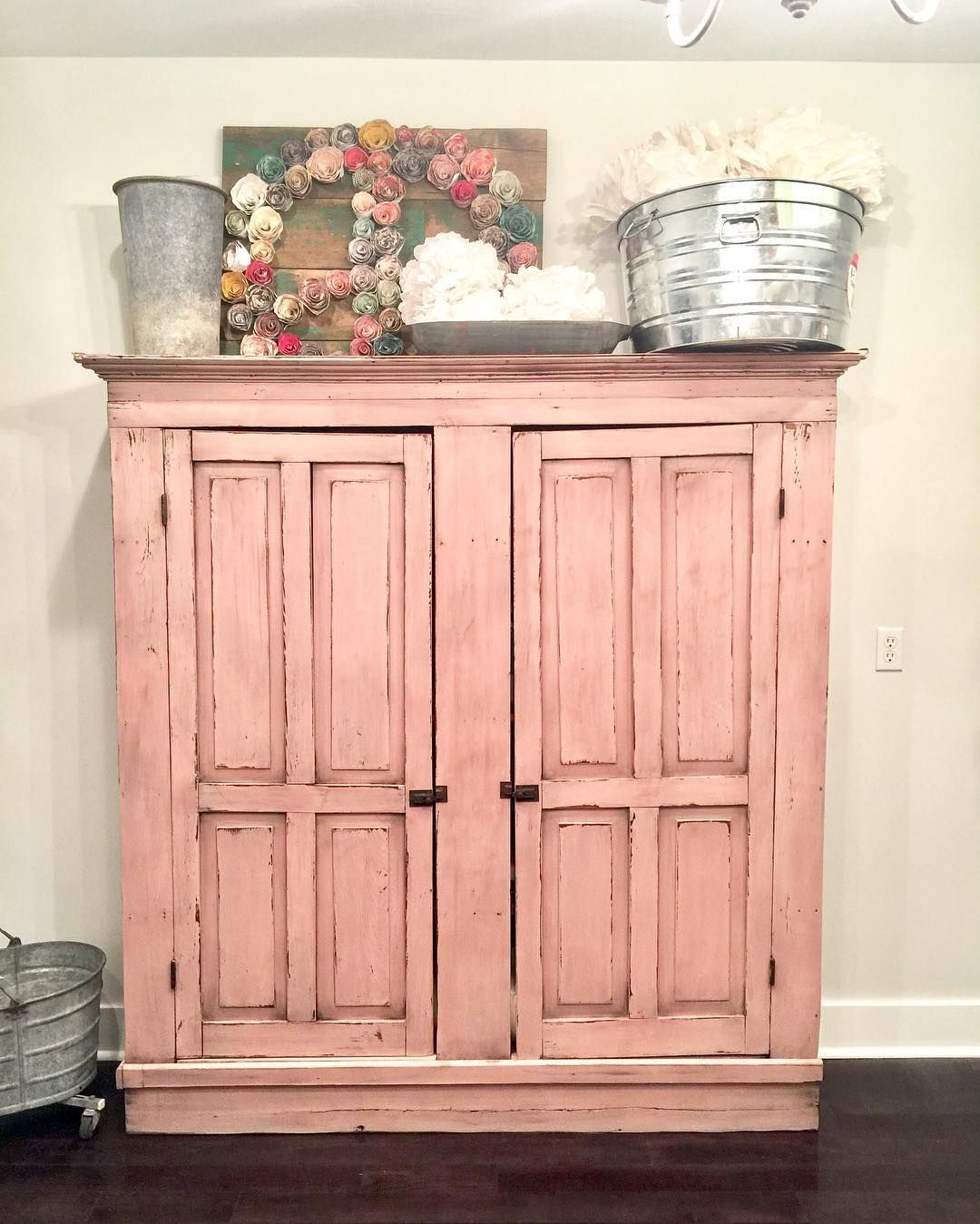 I got my hutch in my new office all repainted and waxed - and I love it so much!  I used Sweet Pickins Milk Paint in Red Wagon and Flour Sack to make a custom bubblegum pink and then used our clear, dark and black waxes to age it. Love  #sweetpickinsmilkpaint #milkpaint #sweetpickins