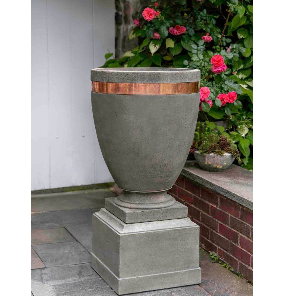 Kinsey Garden Decor Moderne Cast Stone Copper Urn Planter On Pedestal Modern Outdoor Decorating Ideas Concrete Cemen Urn Planters Diy Cement Planters Planters