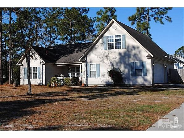 Delightful home in centrally located Boiling Springs Lake
