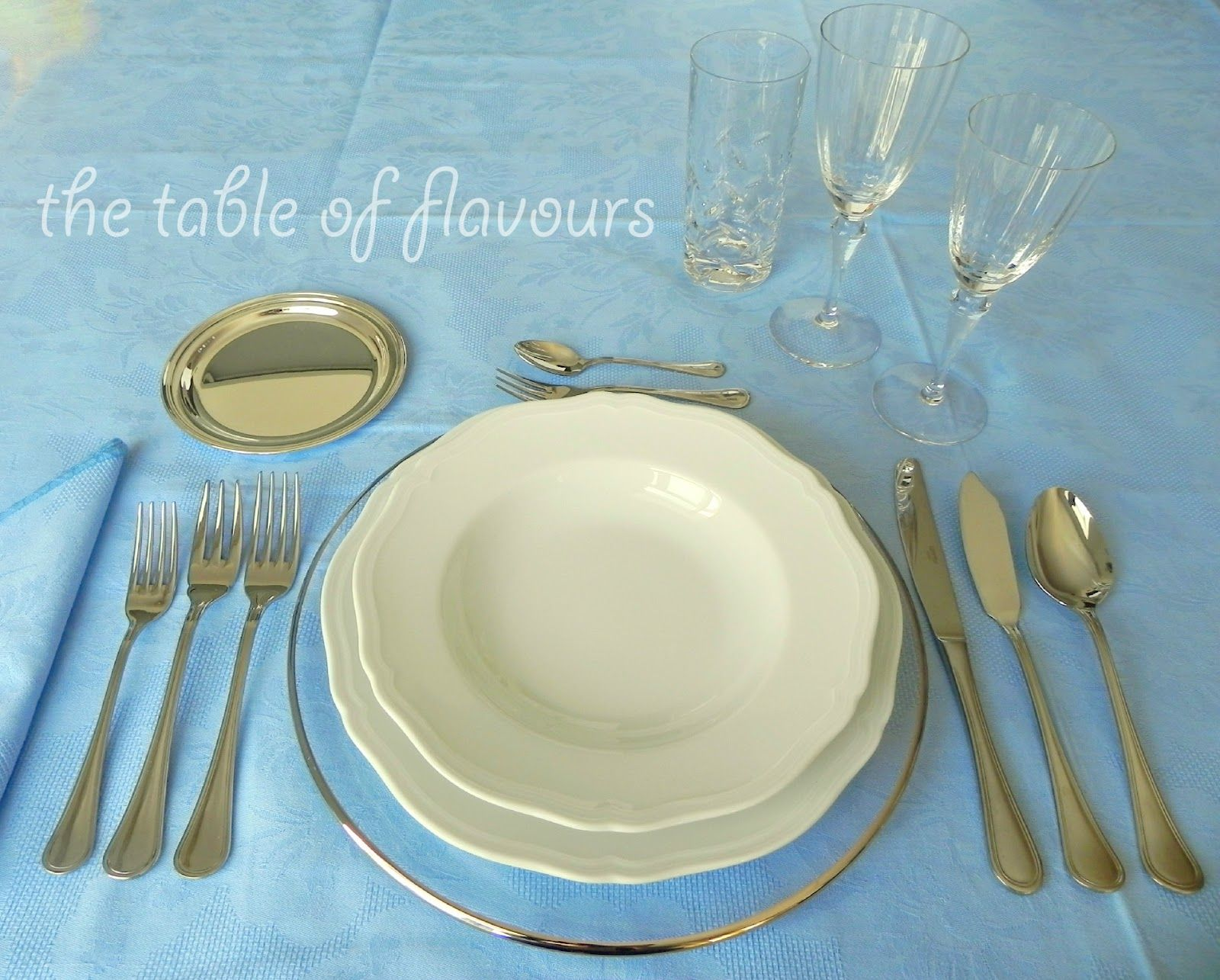 The Table of Flavours gives the 5 Basic Rules for a formal table ...