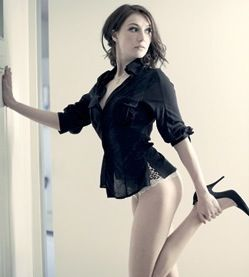 Carice Van Houten Hot